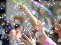 День мыльных пузырей!